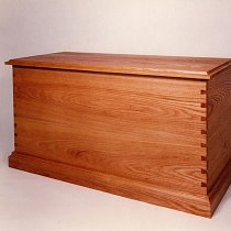 Traditional bedding chest